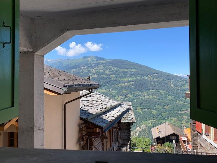 Studio à Vernamiège en Valais, 15 Km de Sion calme