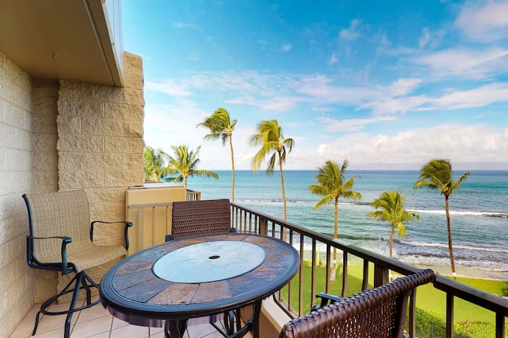 Waterfront condo with resort pool & hot tub - all a quick drive from Lahaina