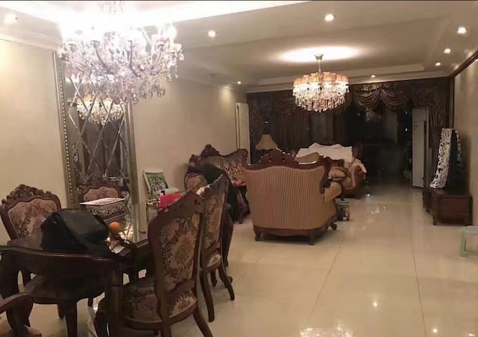 温馨安静整洁独立房间清新阳光超大主卧, - Beijing - Casa