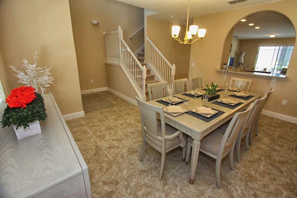 Dining Area for Eight (8)