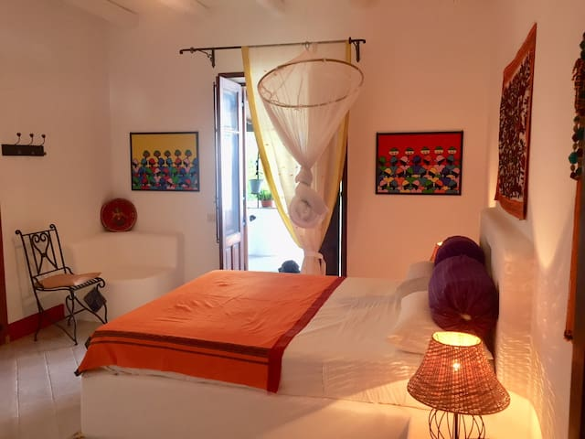 Wonderful rooms in typical villa with view