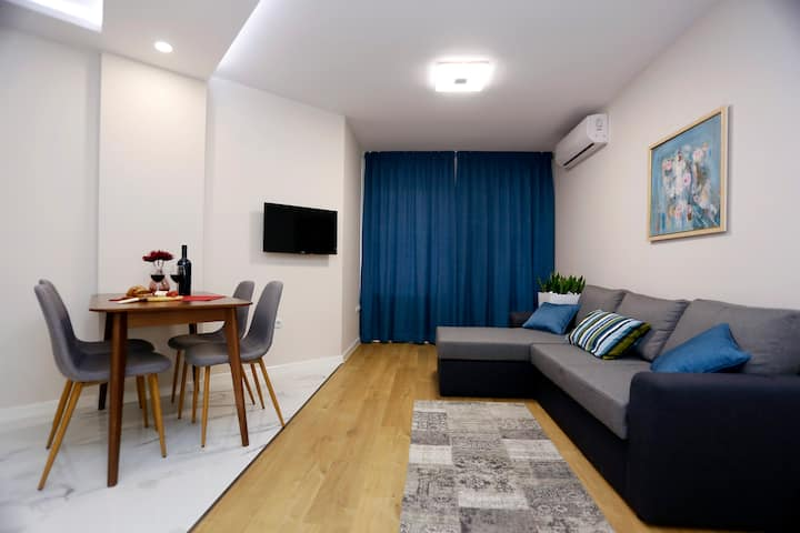 Sea garden premium apartment