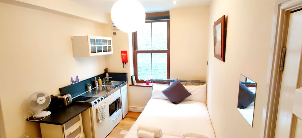 Private Room with own kitchen @ Liverpool street