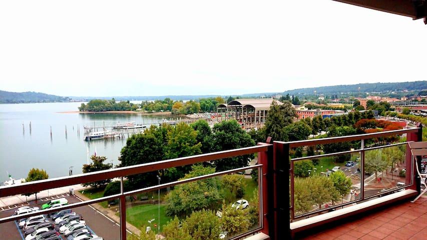 Gemelli )-(  Appartamento vista  Lago Maggiore