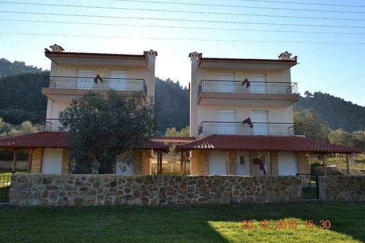 Villa  Agnanti  2 - Vourvourou - Huis