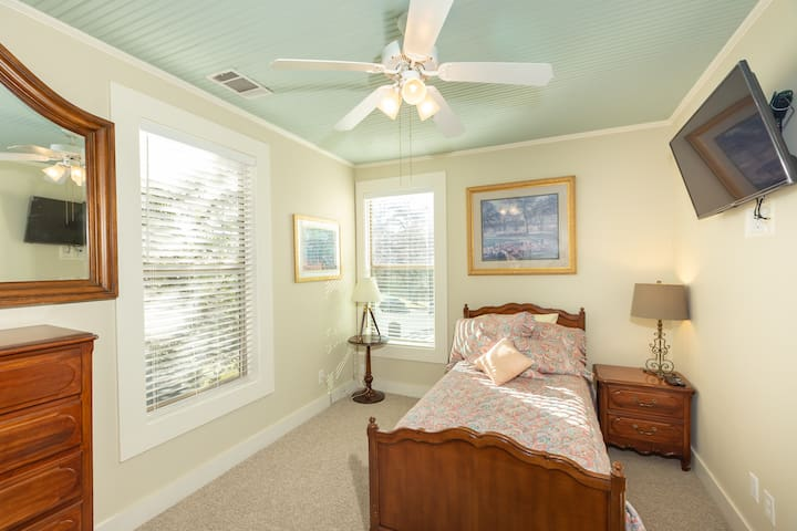 Here is the south bedroom with a trundle bed
