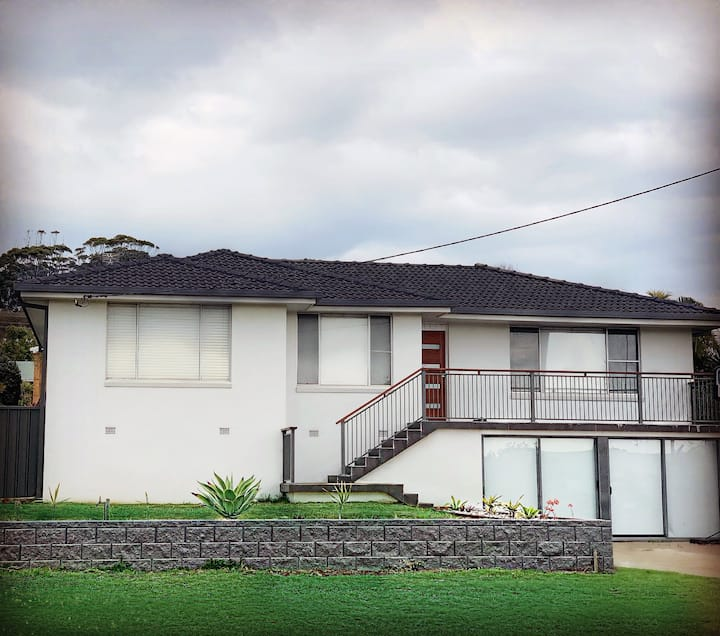 Close to Town Pet Friendly House