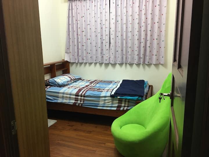 Music roomB  (near MRT ,park , supermarket, Ubike