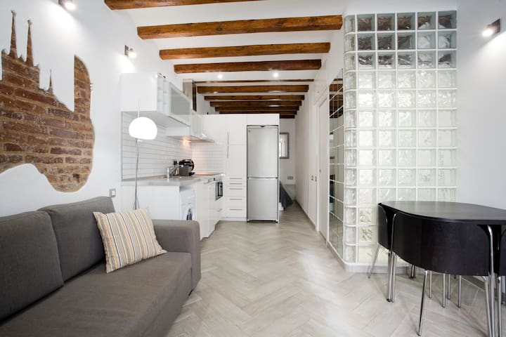 Cozy apartment near the sea + WIFI - Barcelona - Lejlighed