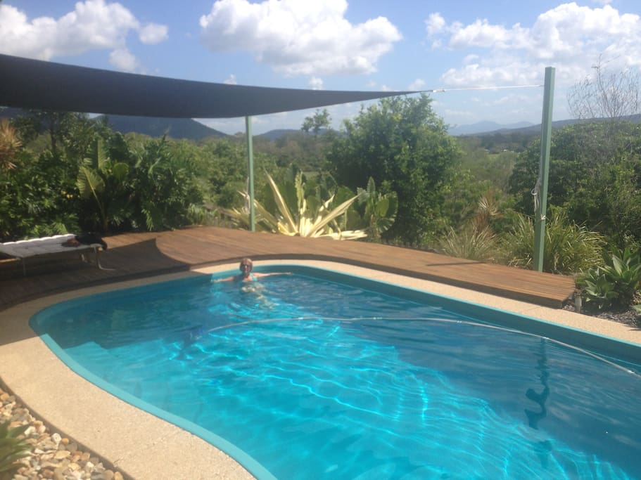 Pool situated right off the deck, perfect for sunbathing/swimming