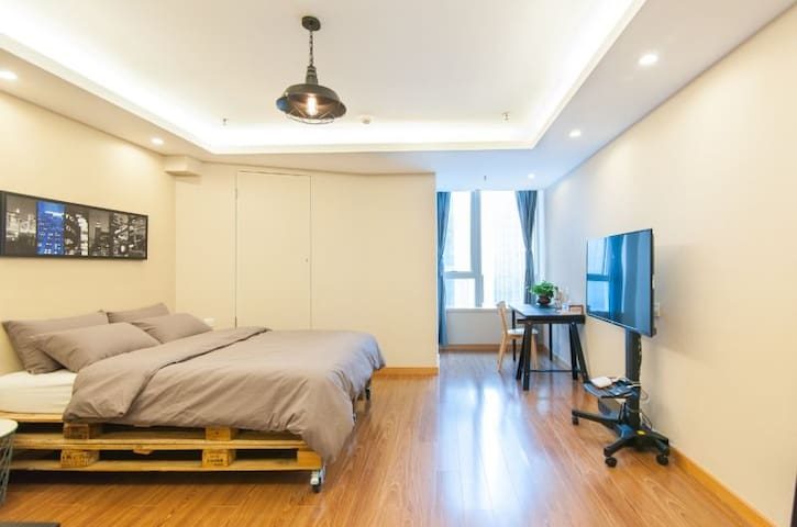 五大道风景区的全新精品公寓 Brand new apartment - Тяньцзинь