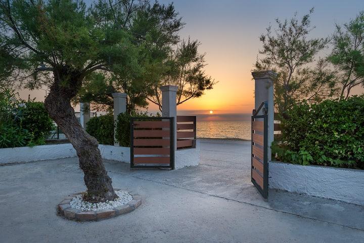Tamaris beach house 2