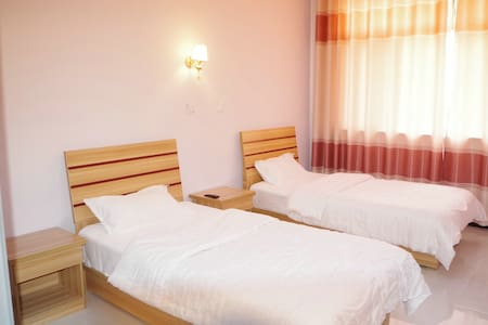 Standard double bedroom - Chengde - Guesthouse