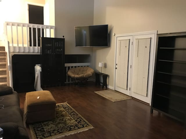 Cozy Miamisburg Home near local hospitals - Miamisburg - House