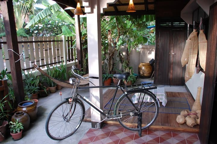 The Outside Inn: Lovely2BR FamilySuite w/Breakfast