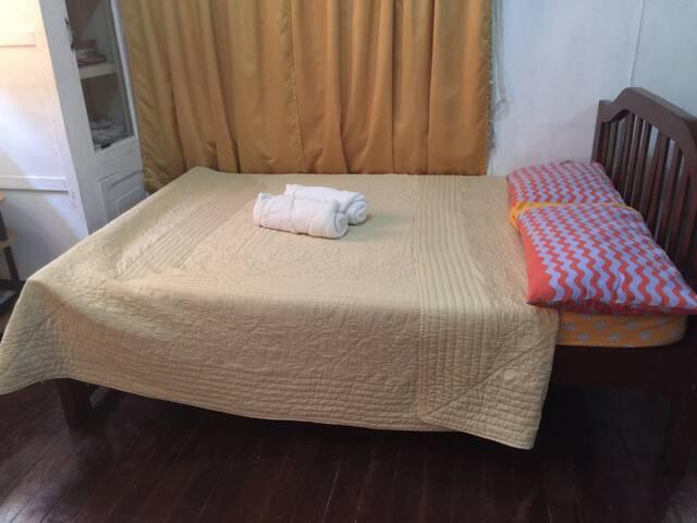 Anastasia Room 2