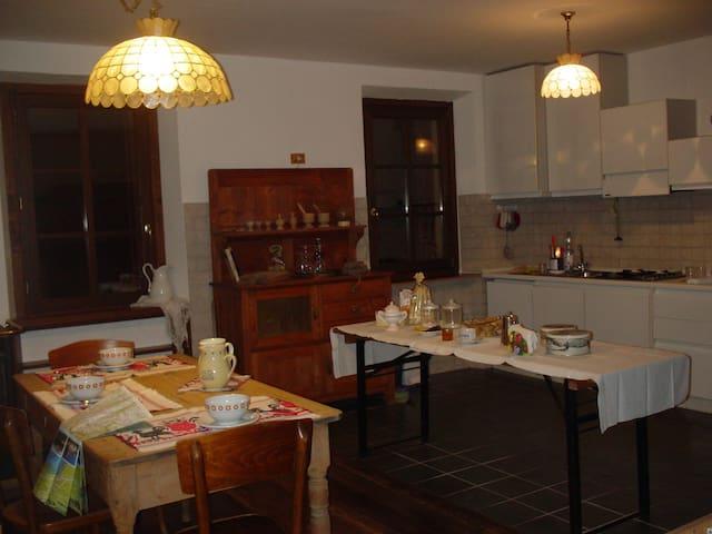 Grande appartamento nel cuore delle Dolomiti - Domegge di Cadore - Flat
