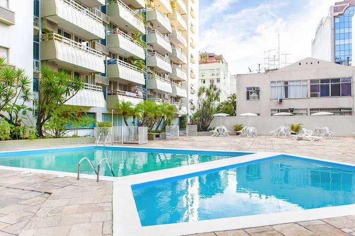 Swimming Pool and Garage - Luxury in Copacabana