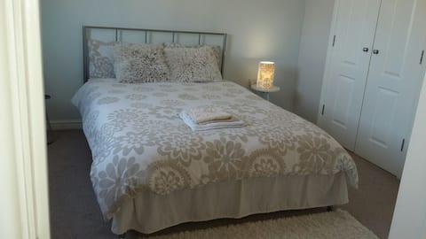 Comfortable En-suite Double Bedroom