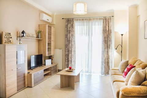 Charming Apartment near Athens Center and  the Sea