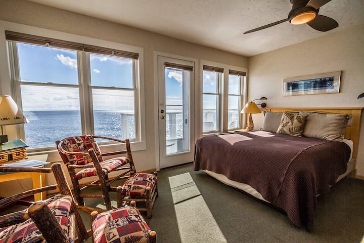 Bluefin Bay Vacation Townhome 14B - Lake Superior - Tofte, MN - Cascade Vacation Rentals