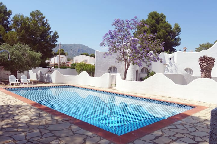 Family house with swimming pool - Mont-roig del Camp - Huis