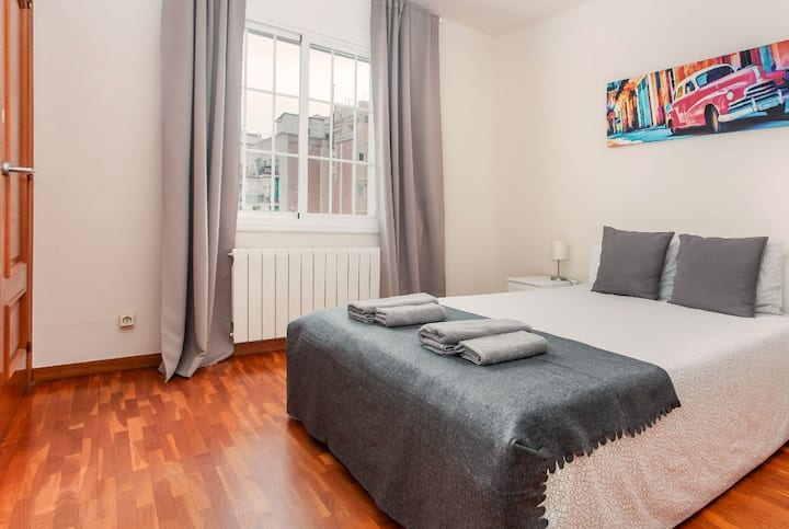 Room for 2 people near Sagrada Familia
