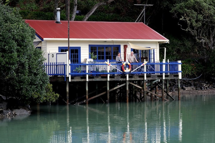 Cottage In the Sea
