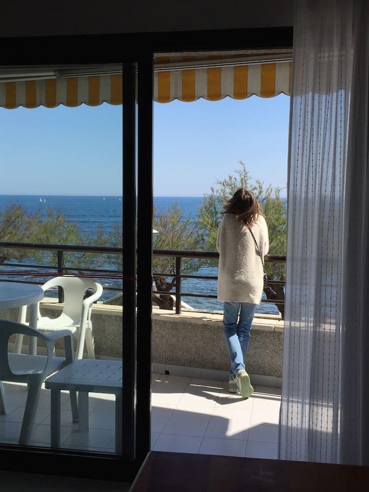 Apartment -20m del mar Free Parking céntrico Wi-Fi
