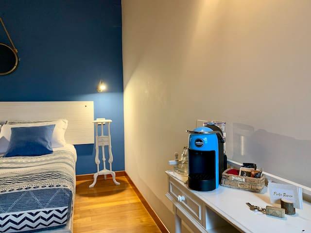 Blue Room @ Porta Ronca - 20 mins from Milan