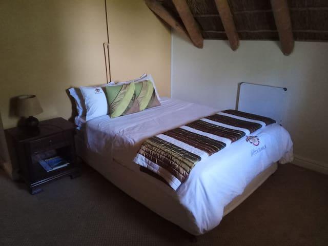 Ridgemor Villa - Family Room