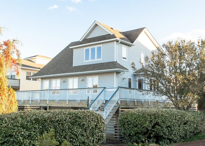 D2888  For Shore. Linens Provided, Pet Friendly w/Fenced Yard, Keyless Entry! | 4 Bedroom, 4 Bathroom