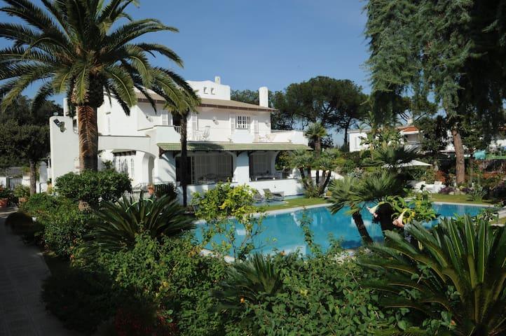 Villa Luisa, Luxury villa with private pool garden