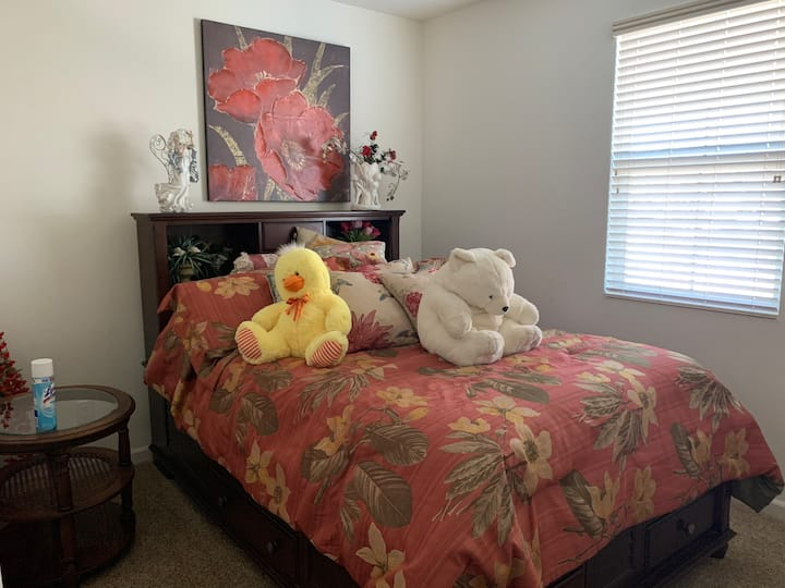 Single story home private room for nurse & medical