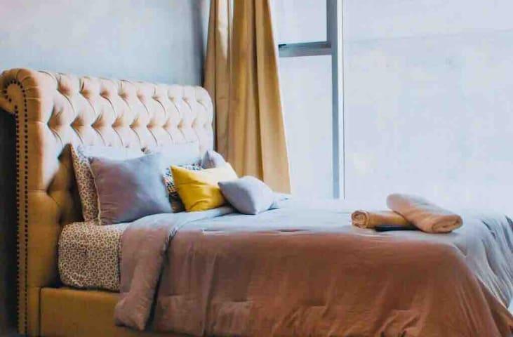 Cozy Room & private bathroom ♥ Gorgeous Condo QBO