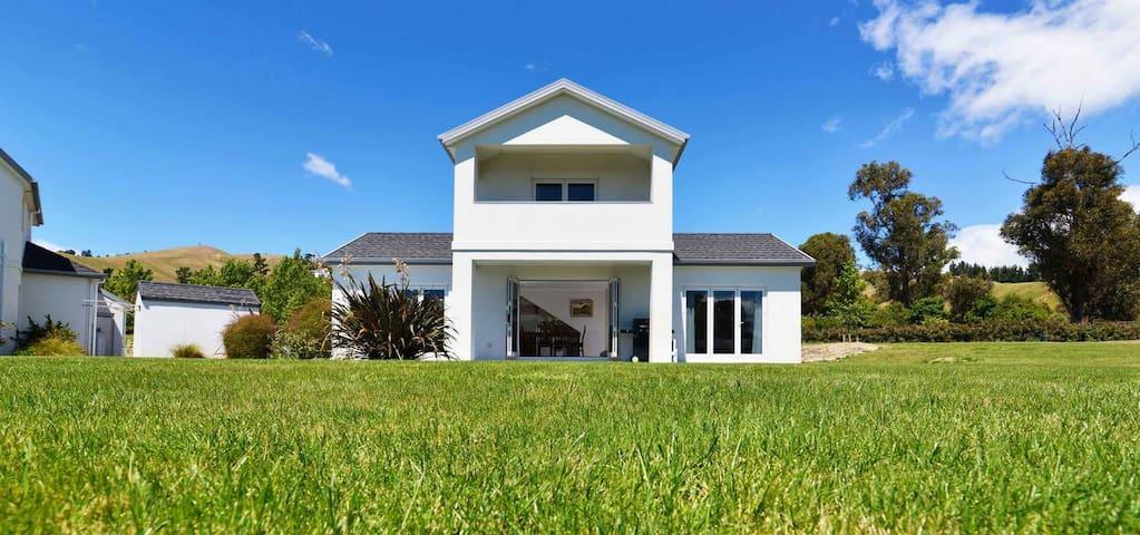 The Rise Villa