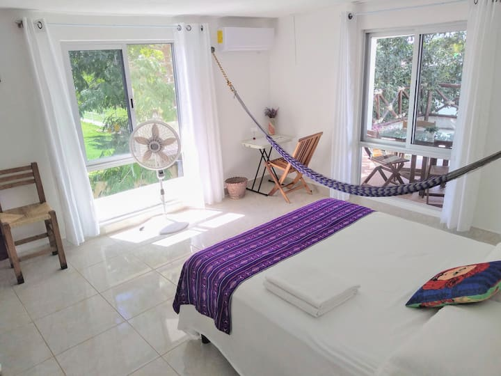 Nice queen size room, shared bathroom (sanitized)