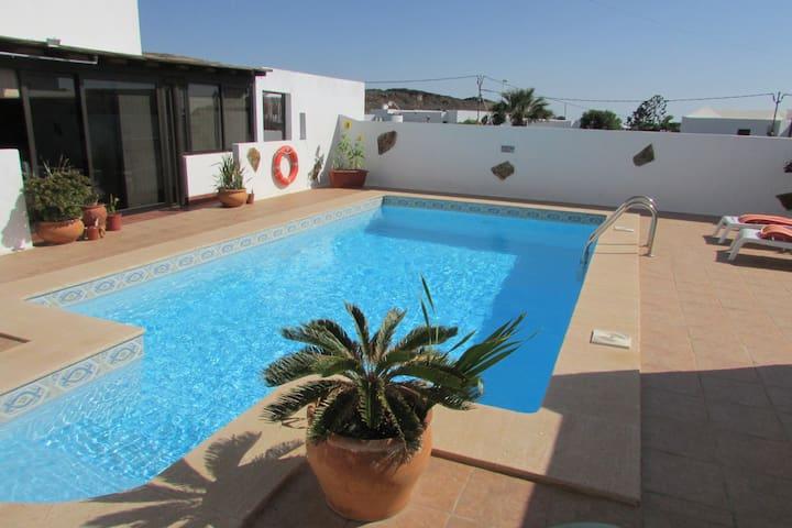 Casa Ortega. 1-B