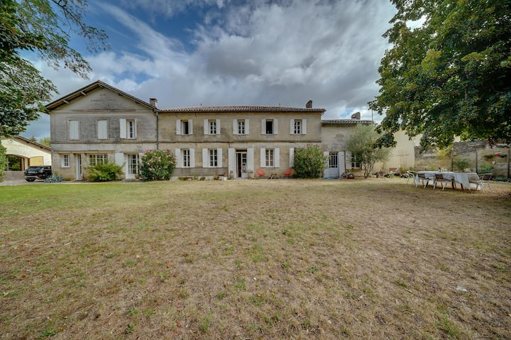 Gorgeous stone-property near Saint-Emilion