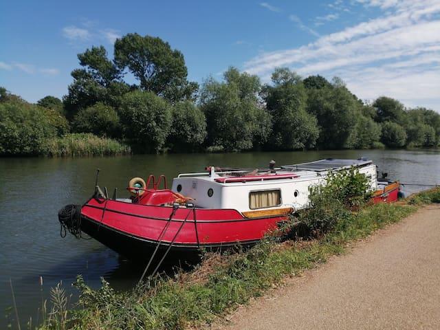 Vrouwe Charlotte Dutch Barge narrowboat boat