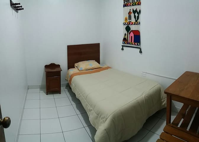 Acogedor habitación individual, wifi