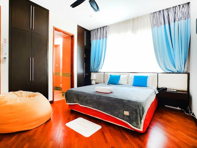 NEW! Batu Ferringhi  Beach Villa (Room 205)