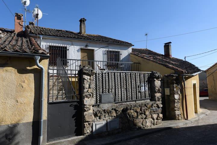 La Casa de Fausto en Basardilla