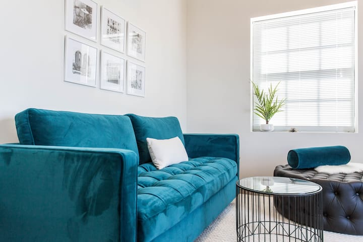 MELLOW MELODY - Gorgeous Loft Studio in Hip Uptown