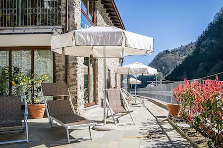Apart. Vallico 2 with indoor pool and spa. - Apartamento