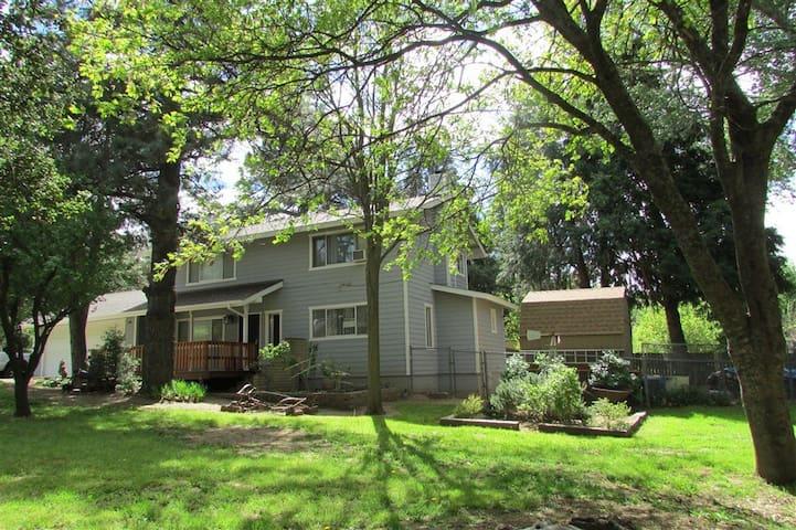 Oak Tree Terrace