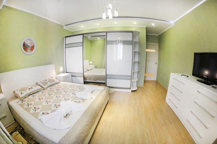 (07) Apartament at Balzak str, 16 floor