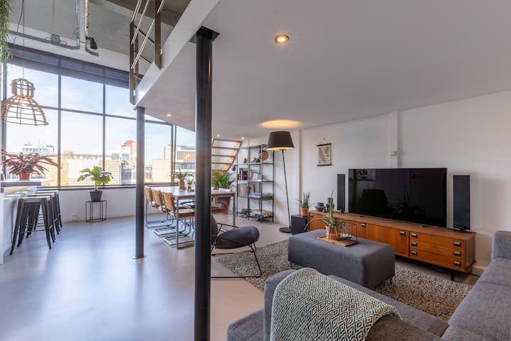 Unique Loft in iconic building | city center