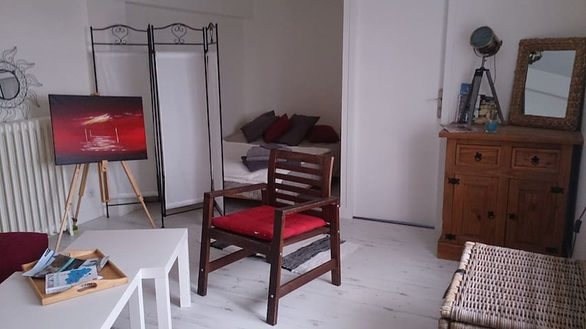 bel appartement de 40 m² avec terrasse et jardin.