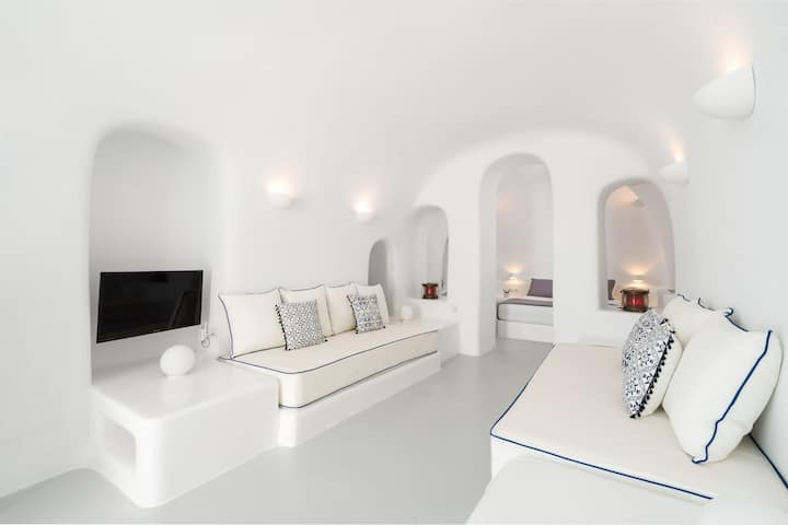 Brazzera Grand Suite with Caldera View-Oia Spirit